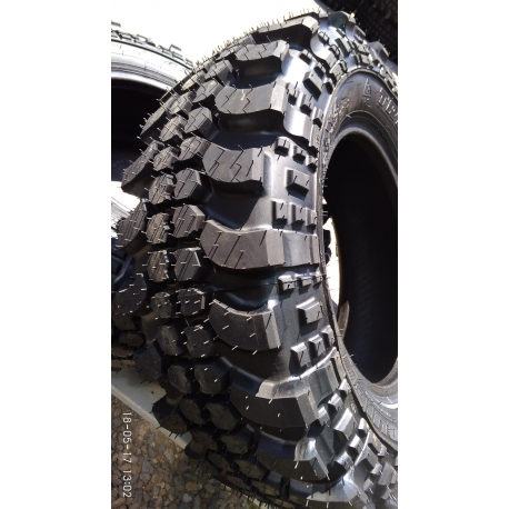 Offroad pneu 235/70-15